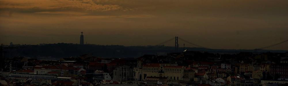 A minha Rua, em Graça , Lisboa. Outubro de 2010 . Imagem : danIzvernariu .