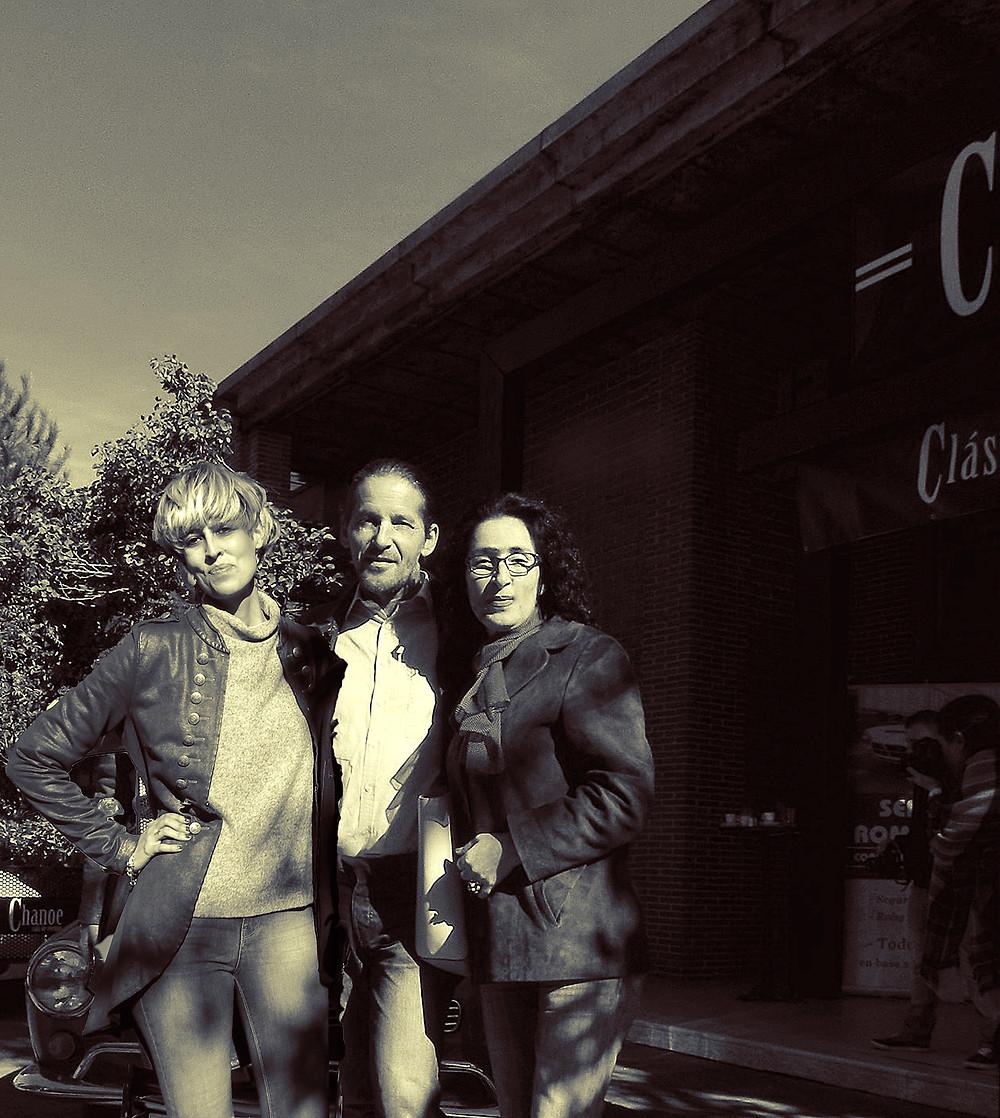 Carla Hernández, Doris & Dan Izvernariu to Chanoe