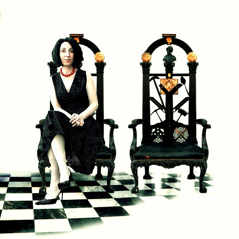 "Doris Izvernariu as ""Madre Teresa"" Scottish Rite throne 33º , Wellington , New Zealand"