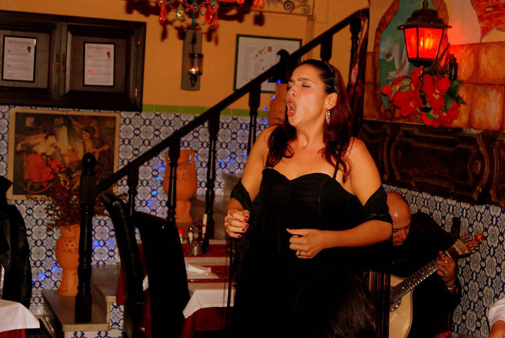 Coração de Alfama com Amor , FADO LIVE , Lisboa 2010-11(?) Spt/Oct , by Dan Izvernariu