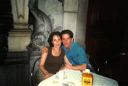 Doris Izvernariu 33y.o. & Dan Izvernariu 37 y.o. Nicola Café de Lisboa, home, Lisboa Portugal 2004