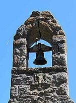 cloche dans clocher St Gonvel.jpg