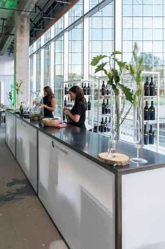 Bar Cain Lamarre.jpg