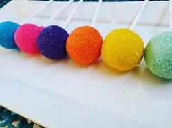 Colorful,CAKEPOPS #rainbow #sandingsugar #happybirthday #cakepops #decadents #desserts #sw