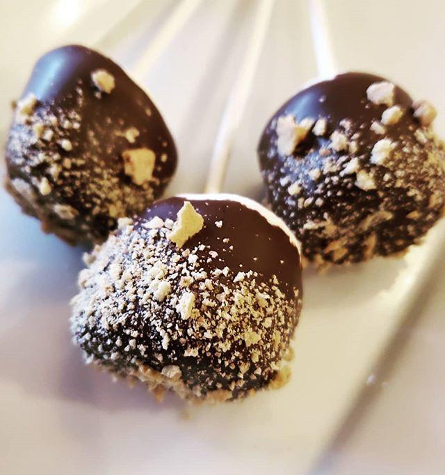 S'MORES PLEASE #marshmallows #smoresfavo