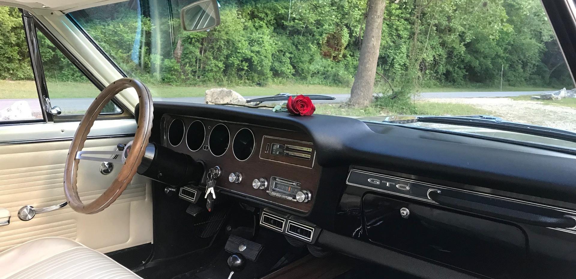 Gold GTO Interior .jpg