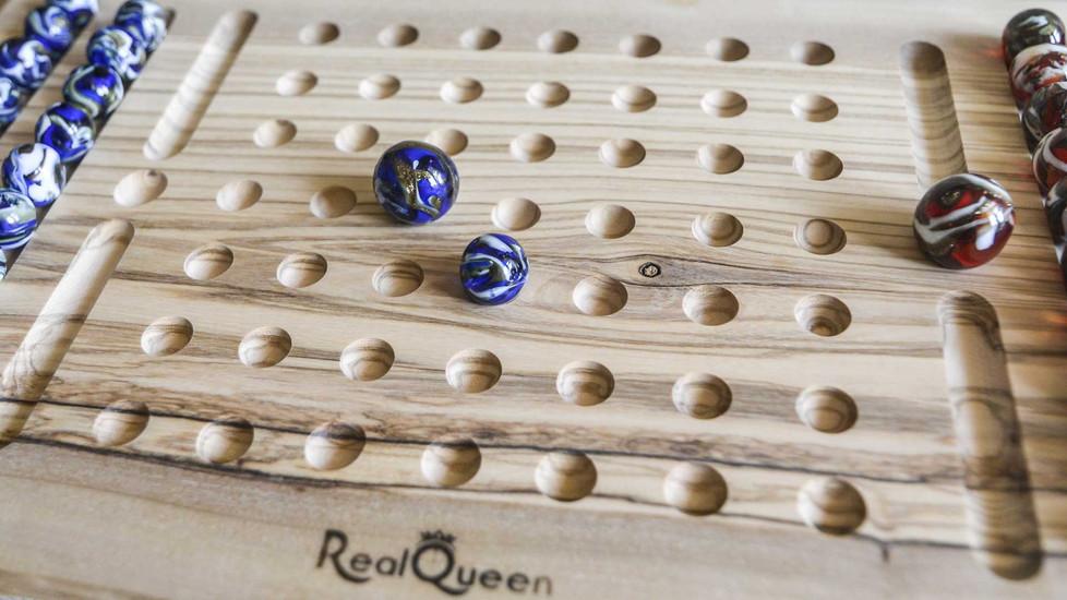 realqueen-luxury3.jpg