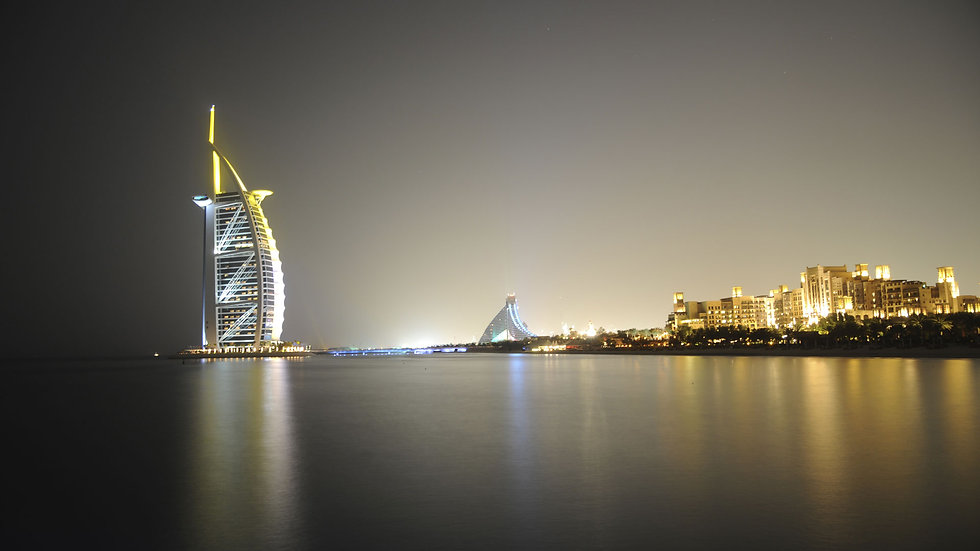 jumeirah_by_night.jpg