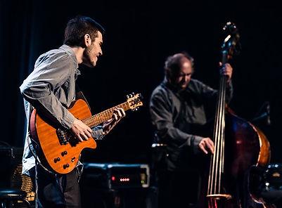 Félix Tellier Pouliot avec Michel Donato au Festival International de Jazz de Montréal en 2016