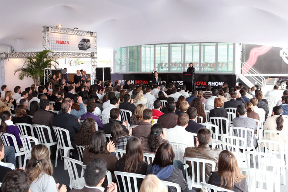 Nissan Inova Show