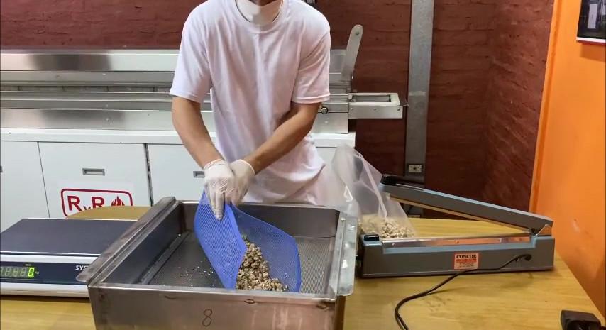 SNSB 2.5 Dehydrating Mushrooms