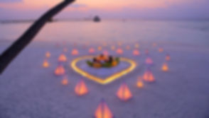 6_1_3_anniversaries-and-honeymoons_02.jp