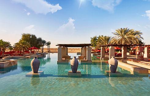 Bab_Al_Shams_Infinity_Pool_2.jpg