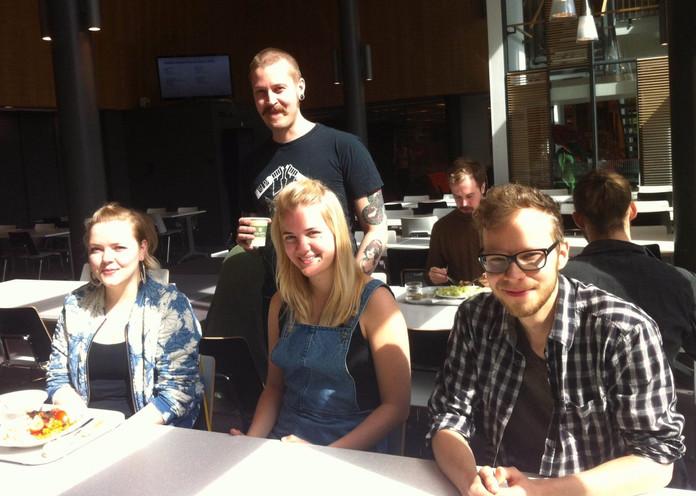 Vegaanien kasvanut määrä yllätti opiskelijaravintolan kokin