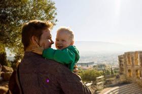 Kaksivuotias löysi lomaherkkunsa Ateenasta