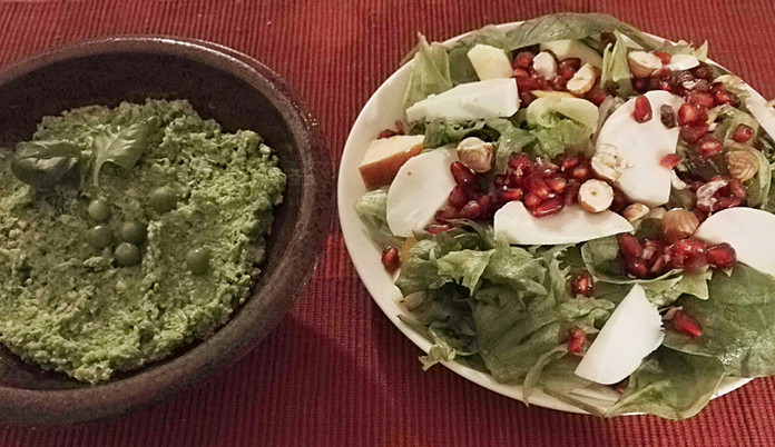 Juhlavat jouluruoat: kurpitsalinssimureke, punajuuri-tofumureke ja karpalokastike