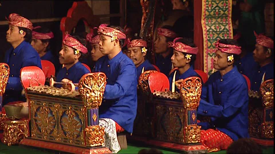 831676321-gamelan-flute-instrument-drum-concert