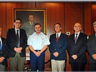 Directorio del Instituto de Investigaciones Histórico Aeronáuticas de Chile se reúne con el Comandan