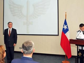 Presidente del Instituto de Investigaciones Histórico Aeronáuticas de Chile recibe un reconocimiento