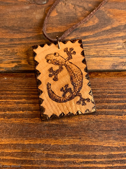 Pyrotiles Necklace: Lizard