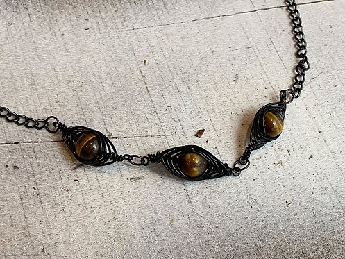 Dragon's Eye Necklace Bl