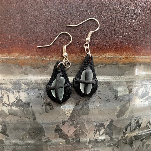 Leather-look Seaglass Earrings Black/White