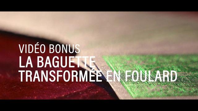 La Baguette Transformée en Foulard