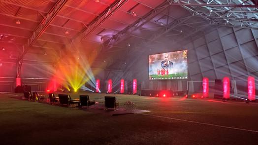 Royal Belgian Football Association trakteert Rode Duivels-fan op een onvergetelijke match.