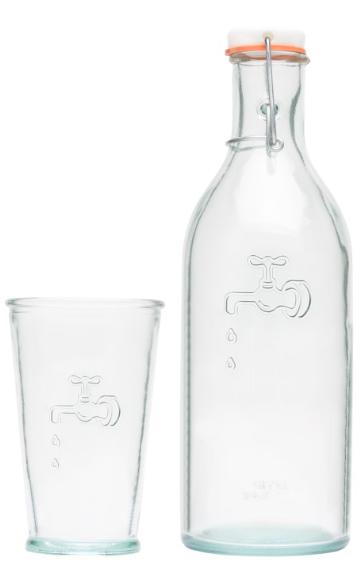 100 % Recycling-Glas. Spülmaschinengeeignet. Verpackt in einer Jamie Oliver™-Geschenkbox. Inhalt Karaffe: 1 Liter; Inhalt Weinglas: 35 cl.