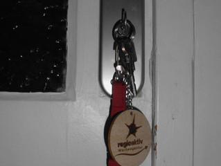 Schlüsselanhänger regioaktiv aus Holz-braun ab 0,60 € pro Stück
