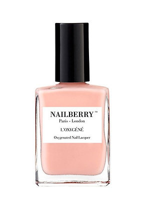 A touch of powder | Nailberry Neglelak / halal |