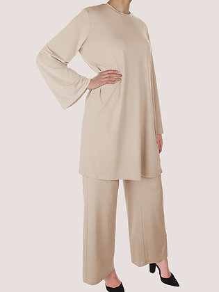 Lys Beige Comfy Outfit