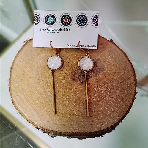 Boucles pendantes minimalistes