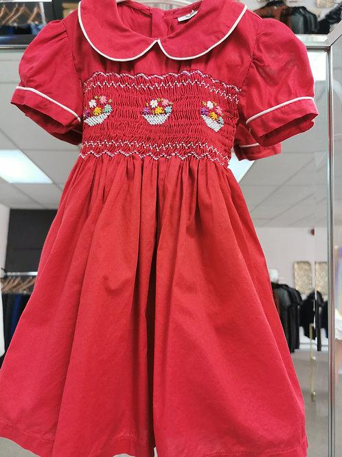 Robe artisanale rouge avec col