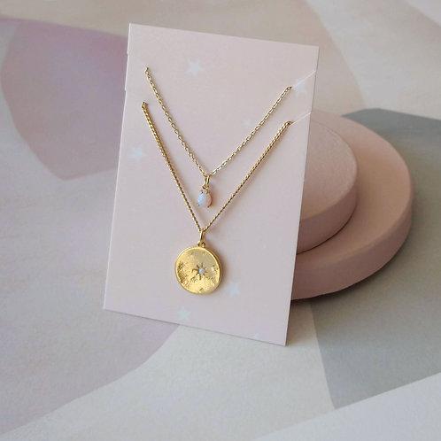 Duo de colliers à pendentifs opales