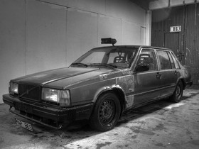 The World According To Ben Part 21 ...Our Fave Bro Poet Pontificates About A Boxy Volvo