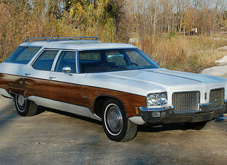 What's It Worth? 1971 Oldsmobile Custom Cruiser Wagon ..Wasting Fuel And Making Al Gore Cry All