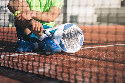man-playing-padel-E4FNAU8_edited.jpg