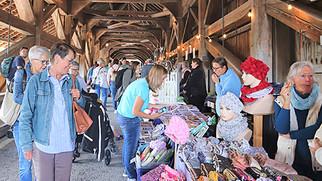 Der lokale Markt für Gross und Klein