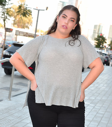 חולצת פרידום בשילוב שסעים בצדדים