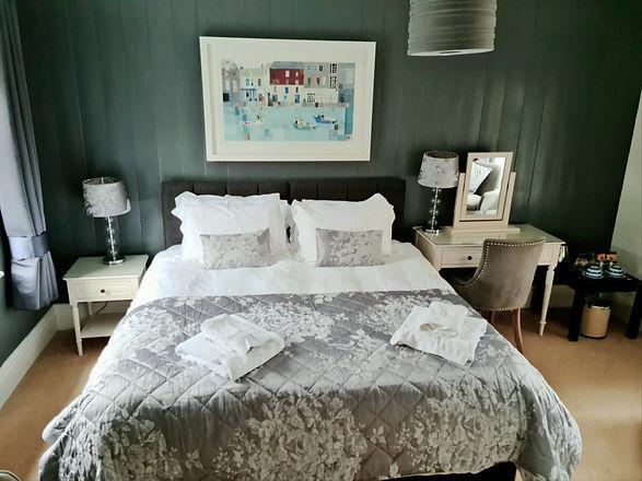 Room 3 - 3.jpg