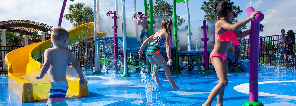 SUPERFICIES PARA PISCINAS Y ZONAS SPLASH