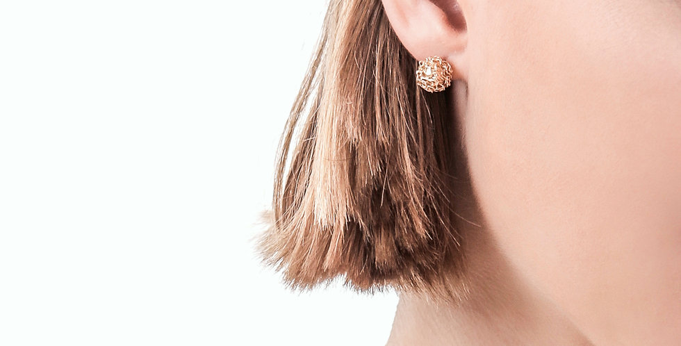 Gold studs earrings