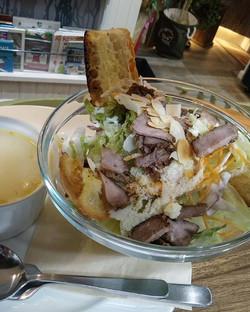 ビーフとパルメザンチーズのサラダ