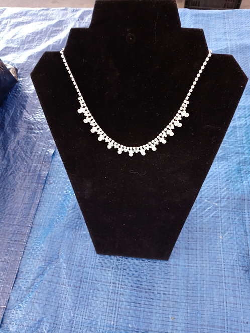 Bling Bling Silver Rhinestone Accent necklace