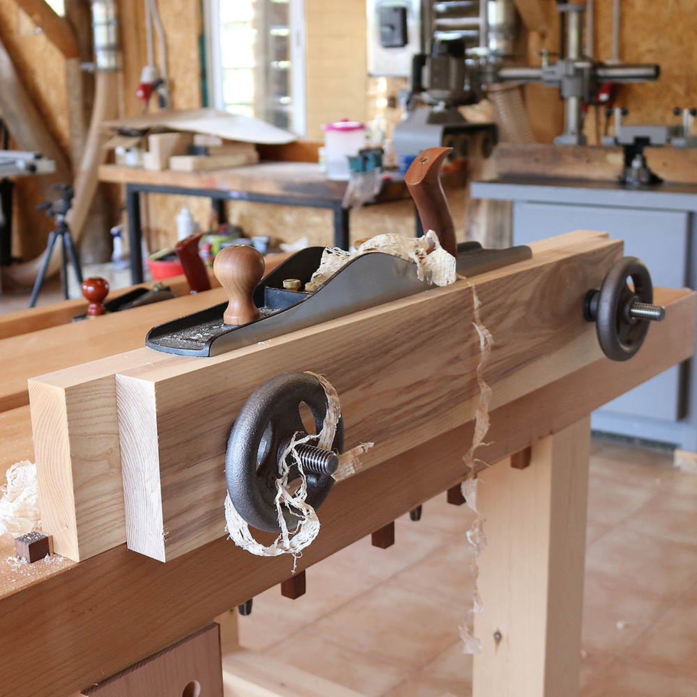 Moxon vise: flushing the jaws.