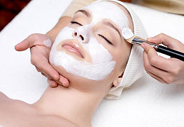 Maske-Gesicht-Pflegemaske-Kosmetik-Falte
