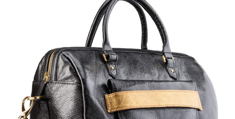 Elegancki damski kuferek z naturalnej, licowej skóry ze złotym akcentem