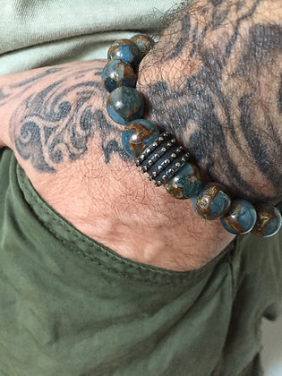 Bracelet 10 en Jaspe Bleu du Nepal & Disque Cross