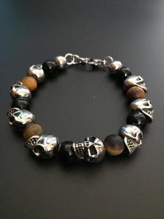 Onyx brillante/Oeil de tigre mat & Skulls